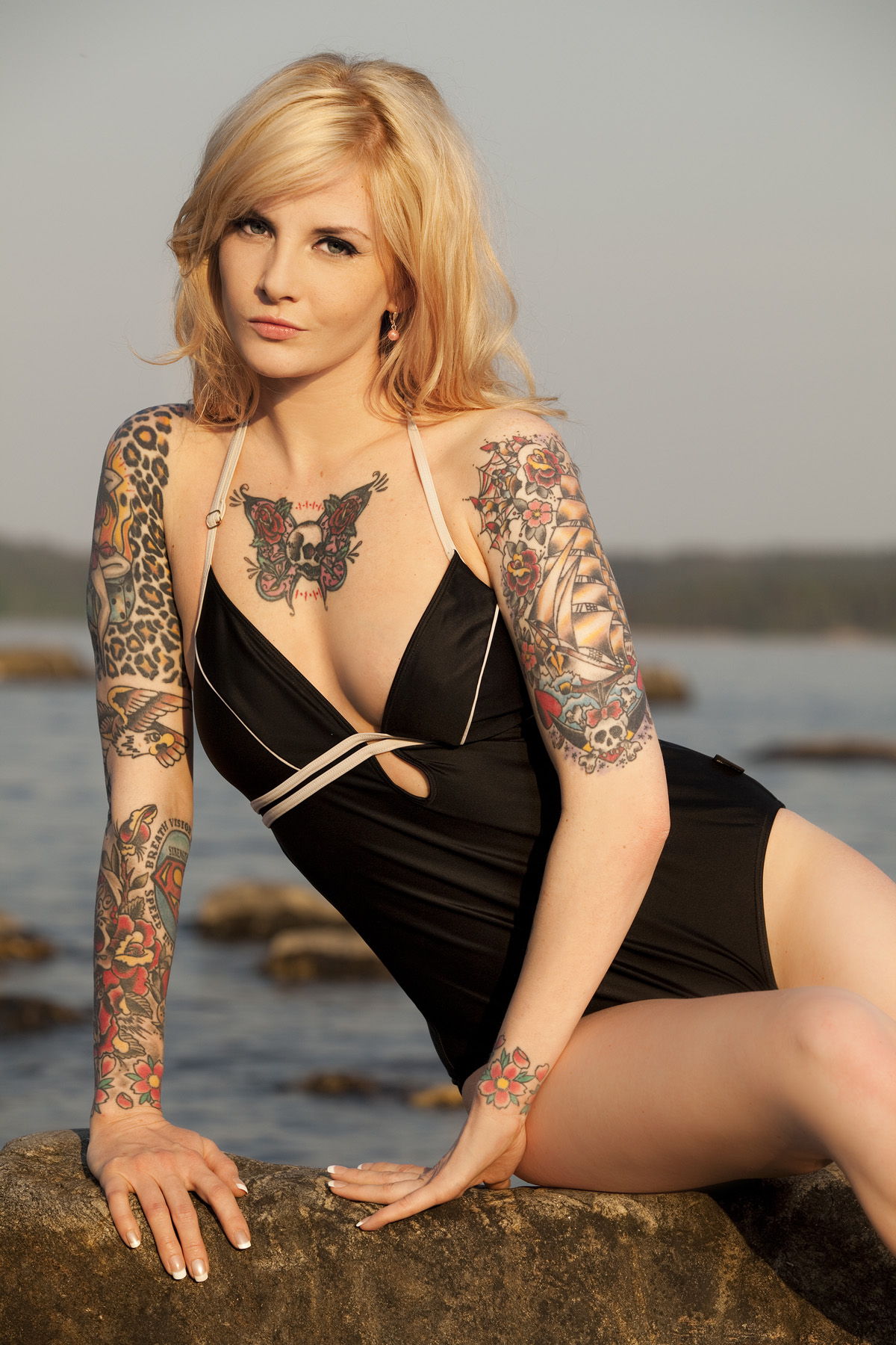 Girls with tattoos - Z Tattoo